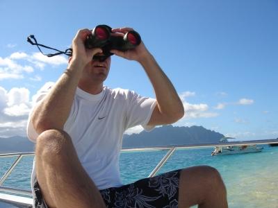 man-with-binoculars-1559448-1279x959